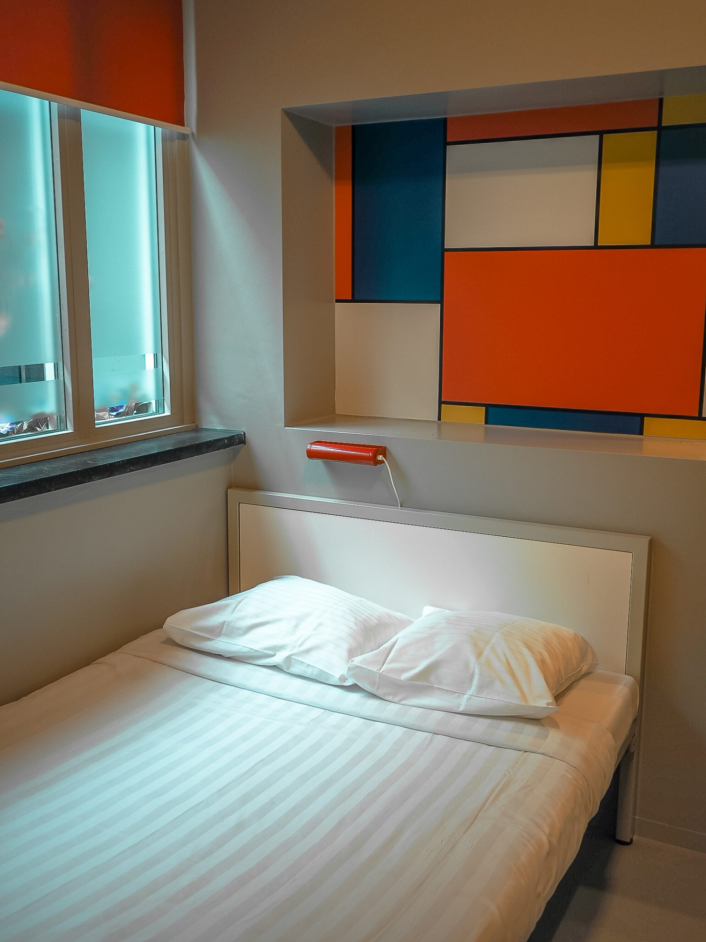 ClinkNoord Hostel Room